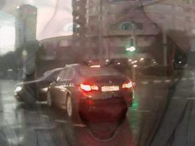 BMW撞上憑空出現的賓士鬼魂車!是穿越時空還是靈異事件?