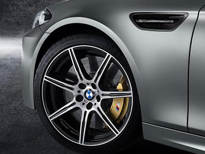 600匹馬力的 BMW 30 Jahre M5限量特仕車,0-100km/h加速只要3.9秒!