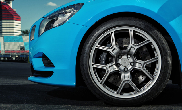 MICHELIN Pilot Super Sport高性能跑車胎強勢加持,米其林攜手Volvo連袂打造嶄新性能傳奇!