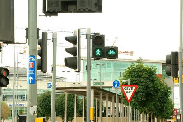 英國打算延長紅燈時間,以保護行人安全!