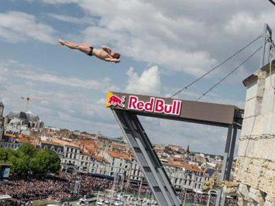 2014 Red Bull懸崖跳水世界系列賽,挑戰地獄之門 !