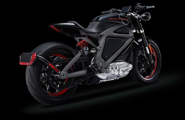 重機大哥大Harley-Davidson也參一腳、首款電動摩托車LiveWire登場