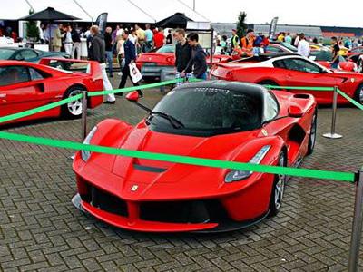 【熱門話題】買法拉利 LaFerrari超跑,停車還有特別優待?