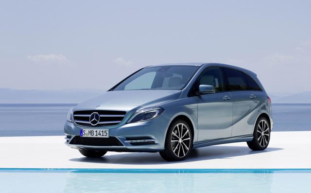 Mercedes-Benz持續稱霸豪華進口車寶座,回饋推出七月購車優惠方案