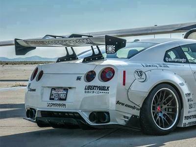 【熱門話題】真可惜變形金剛沒找這輛 Nissan GT-R去嘎一角