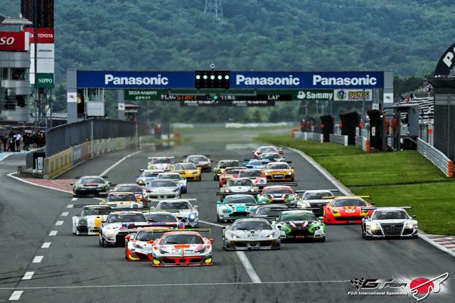 李勇德駕駛 Audi R8 LMS ultra在亞洲GT系列賽/日本富士國際賽車場雨中奪冠