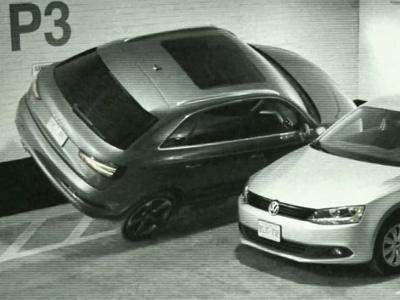 停車場客滿就可以把車開上牆嗎?Audi Q3駕駛實在太強了!