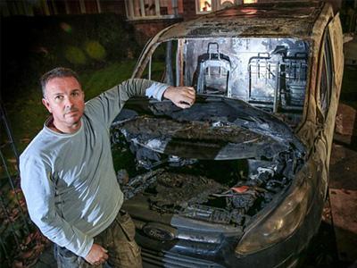 沒有火的電子香菸竟然把 Ford Transit廂型車給燒了!消防局已發布預防撇步