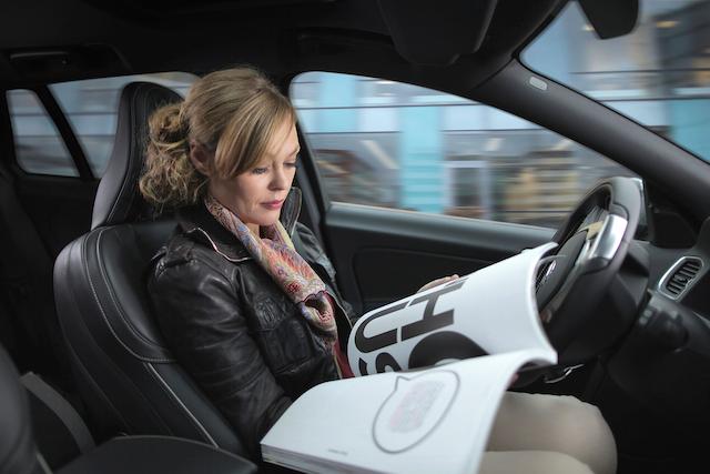 自動駕駛即將公測!14歲少年駭入汽車電腦嚇壞專家