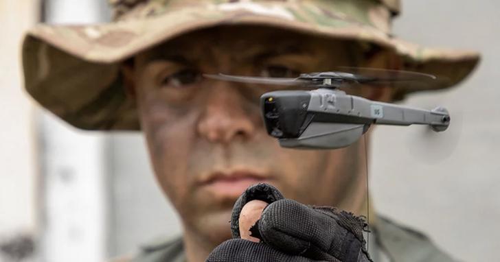 這是即將投入美軍戰力的微型無人機:重量僅33公克,能飛2公里拍高解析度照片