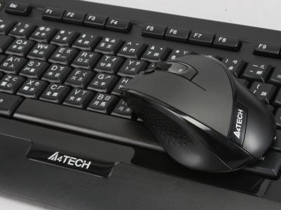 雙飛燕 A4TECH 9300F 鍵鼠組搶先玩