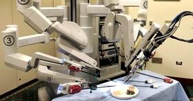FDA警告,就算機器人能在葡萄上動手術、也不代表用來進行乳房切除或子宮切除術就比較安全