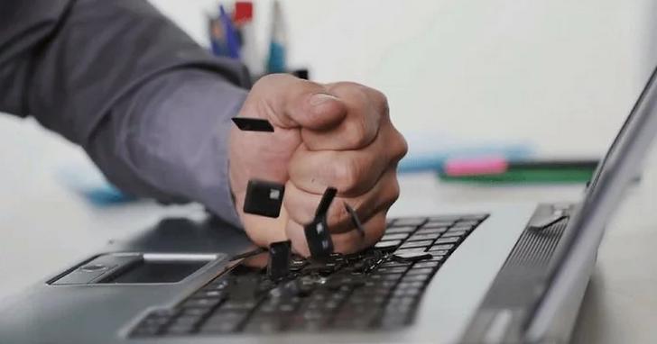 第三代蝶式鍵盤仍有問題,蘋果第一次道歉了