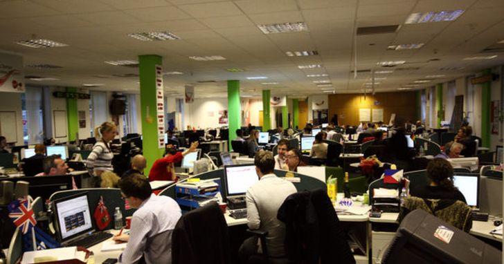 辦公室最大干擾排名,同事大聲講電話最讓人厭惡