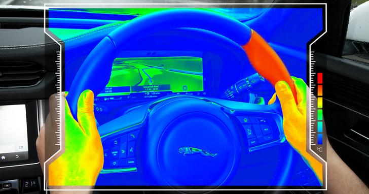 你有沒有覺得燙燙的?JLR 透過加熱方向盤,提醒車主何時該轉彎