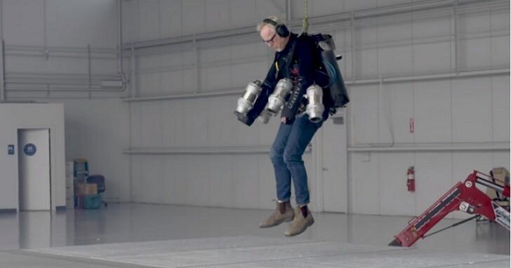 自製會飛的噴射戰衣很難嗎?看流言終結者Adam Savage怎麼樣打造會飛又防彈的鋼鐵戰甲