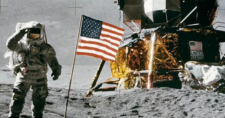 我們日常所用的手機,比「阿波羅11號」當年用的登月電腦效能要強多少?
