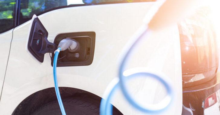 電動車零空污?煞車燒胎產生微粒還是會污染空氣