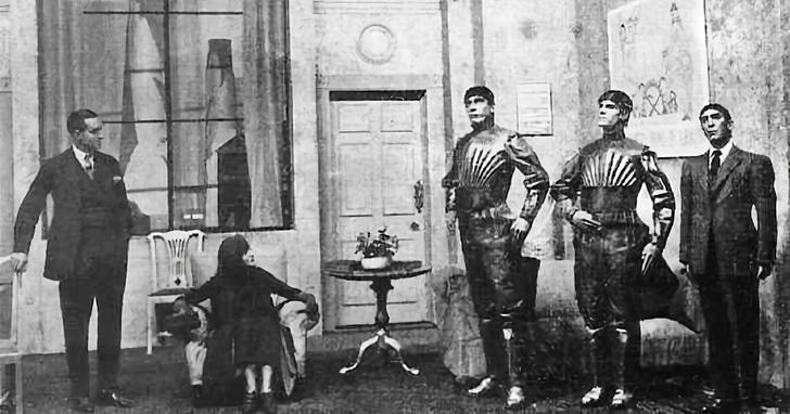誰發明了「機器人」這個名詞?其實源自1921年的捷克舞台劇