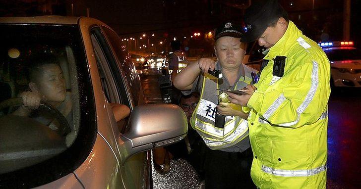 巴黎交警要用「噪音雷達」開罰單了,飆車黨無所遁形