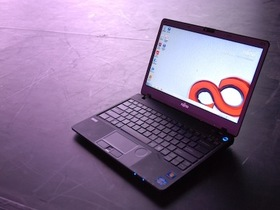 1.22公斤!Fujitsu Lifebook SH771 超輕薄效能筆電登場