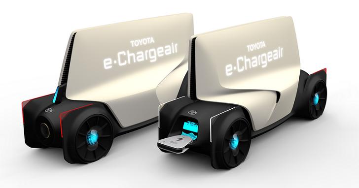 Toyota 開發「電動車用的無線行動電源」,讓找不到充電站的車主解除電量焦慮
