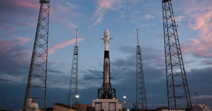 天文學家及星空愛好者斥責SpaceX「星鏈計劃」:上萬顆衛星將毀掉我們的夜空