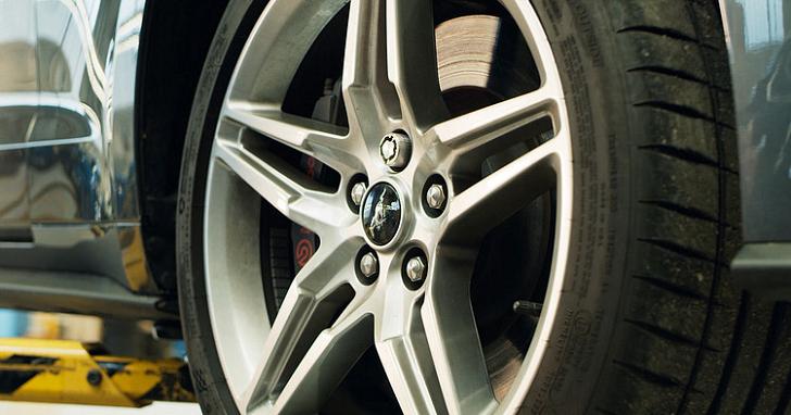用車主的聲音防止輪框被偷!Ford 研發 3D 列印聲紋鎖螺帽
