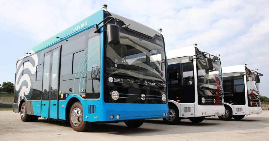 台北市今年即將有自駕巴士上路!5 月將於信義公車專用道進行測試、最快 9 月開放試乘