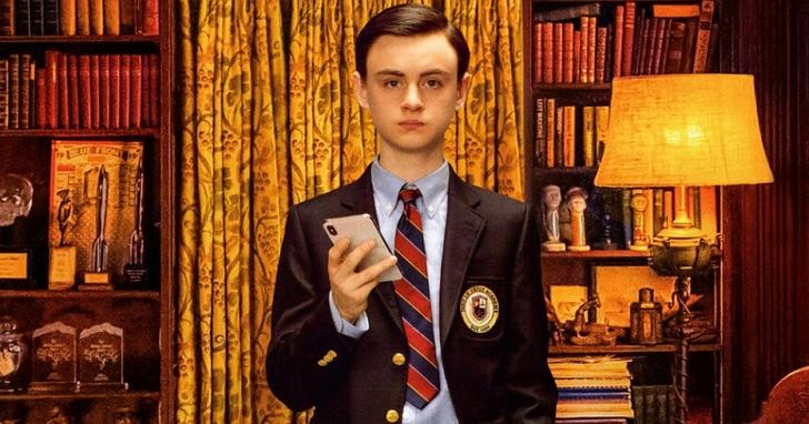 好萊塢導演大爆料:以後你看電影角色手上拿什麼手機,就知道誰是好人誰是壞人了