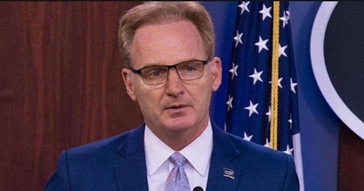 砲轟羅斯福號艦長「幼稚愚蠢」,美國代理海軍部長道歉並辭職