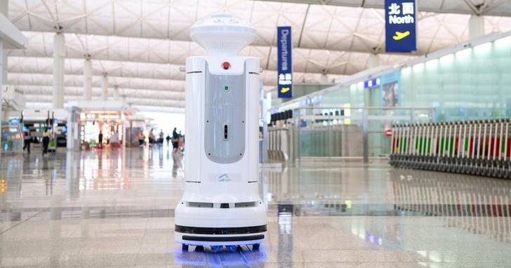 科技戰「疫」領先全球 消毒機器人進駐機場守護零死角,藝術生活零距離 數位轉型打造線上觀展體驗