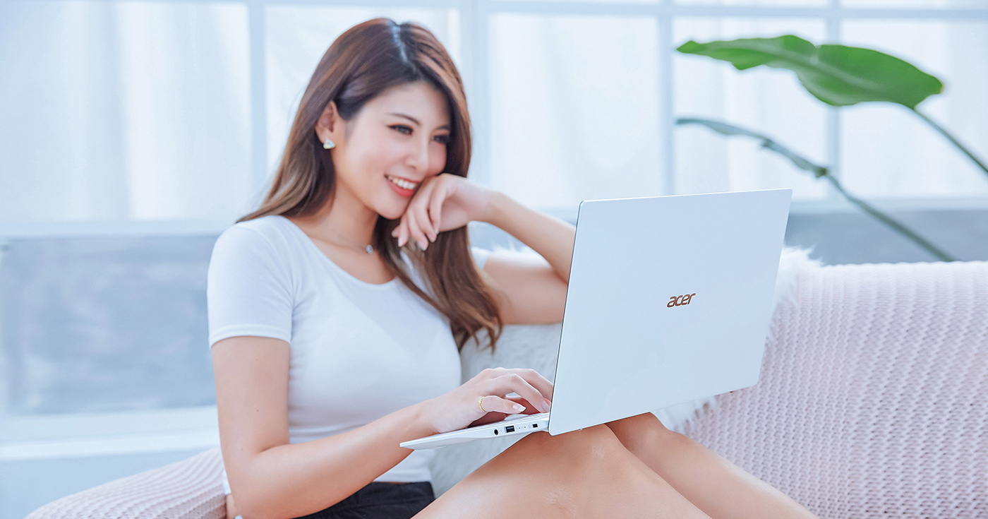 Acer Swift 5 (SF514-54GT-770G) 純白限定款,一台讓人少女心噴發的輕薄筆電