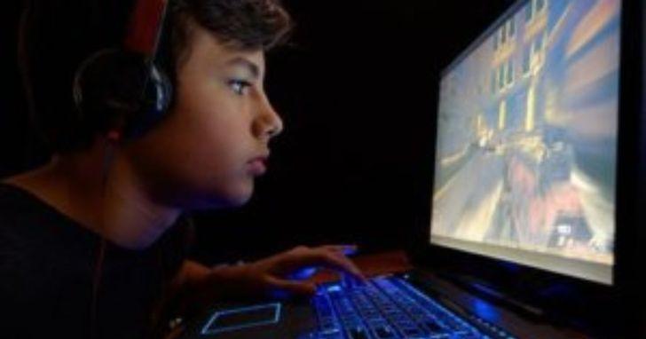 疫情下小孩宅在家,父母最擔心數位成癮及健康問題