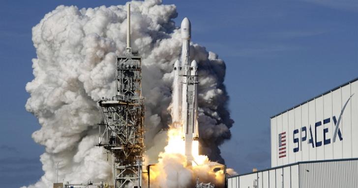 NASA批准SpaceX 載人太空船27日升空至國際太空站,人類史上商用太空船首次載人上太空!