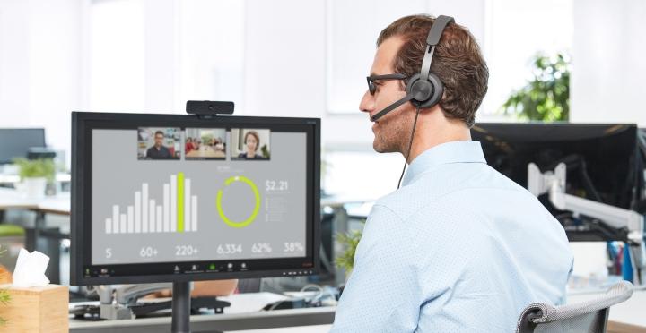 羅技推出 Zone Wired 有線耳機麥克風,專為遠距工作、視訊會議設計