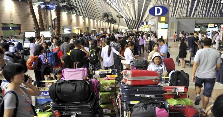 看準中國航班飛行時間「僅供參考」,女子利用旅遊不便險漏洞狂賺300萬人民幣