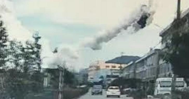 浙江液化氣槽罐車於高速公路爆炸衝入村莊,汽車當場炸飛至半空中、半個村莊幾乎炸毀慘如戰地