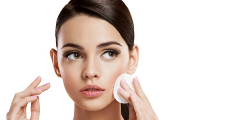 種族歧視「不分黑白」,化妝品大廠巴黎萊雅宣布刪除所有「美白」、「亮白」、「白皙」等宣傳語