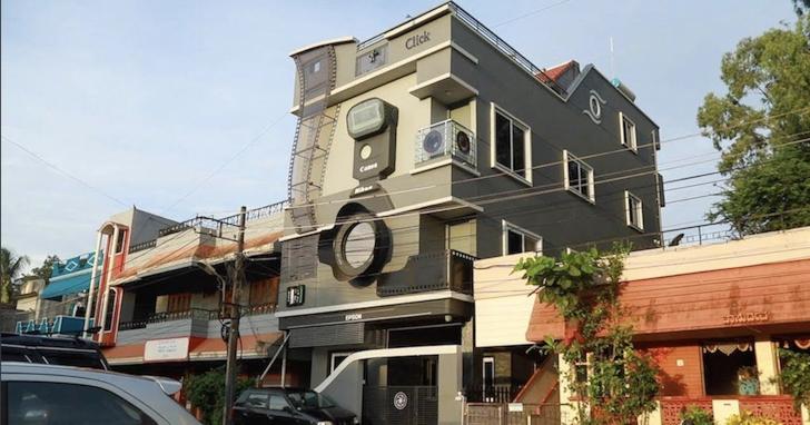 印度攝影師愛相機成痴,不但將房子改裝成相機、三個孩子還取名叫佳能、尼康、愛普生