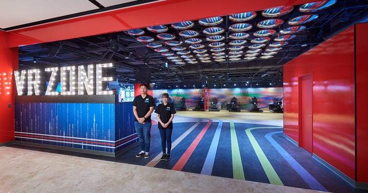 不用飛日本也能玩VR馬力歐賽車!「VR ZONE NEW TAIPEI 虛擬實境遊樂園」12 款遊戲設施、票價搶先看