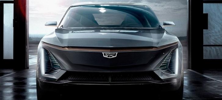 凱迪拉克也推出首款電動車Lyriq,搭配浮誇33吋的整合液晶螢幕