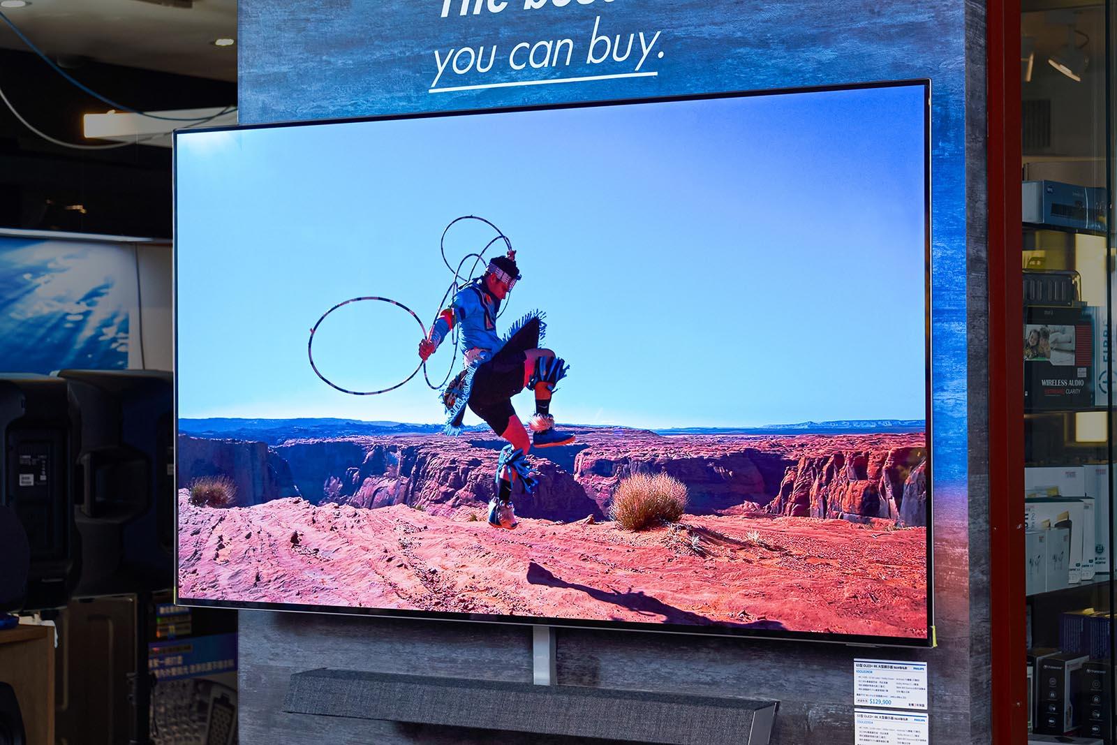高階顯示器東西軍,畫質大對決:日系高階液晶 V.S. Philips OLED!你該選哪款?