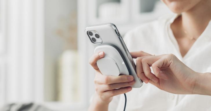 Moshi 推出搭載 SnapTo 磁吸功能的保護殼和無線充電座,新舊 iPhone 都可用