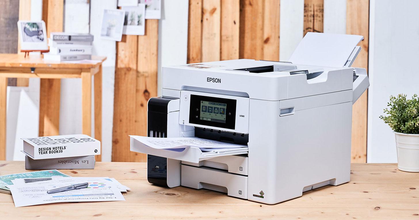 首款四色防水連續供墨複合機 Epson L6580 開箱評測:高產能、低成本,辦公室必備好物!