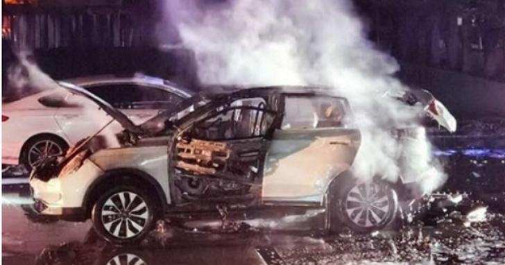 中國新創電動車「威馬」35天內發生四起自燃,宣佈召回:電芯生產中混入了雜質