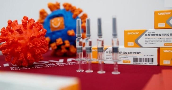中國疫苗接種遇尷尬,醫生表示:我OK,領導先請