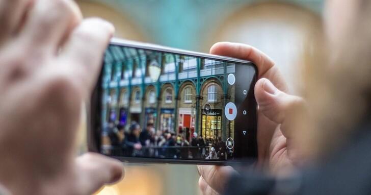 廠商們口中的「Vlog 神器」,相機、手持穩定器、手機誰最適合擔當?