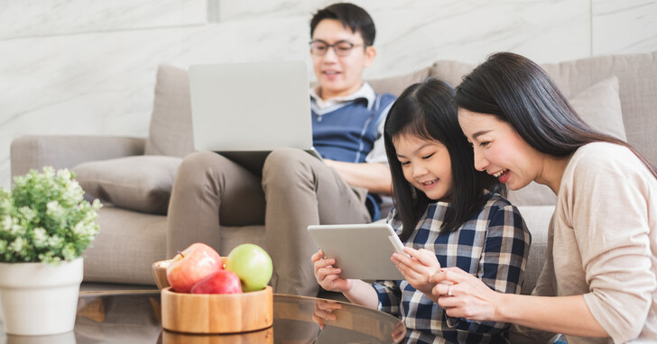 要快、要穩、還要能全家人同時連網不卡頓?凱擘大寬頻 1G 上網 + Wi-Fi 6 + Mesh 方案讓你一次滿足!