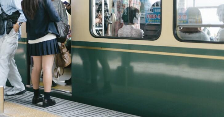 日本AV「電車片」那麼多,AV女優真的有在捷運、火車上拍片嗎?